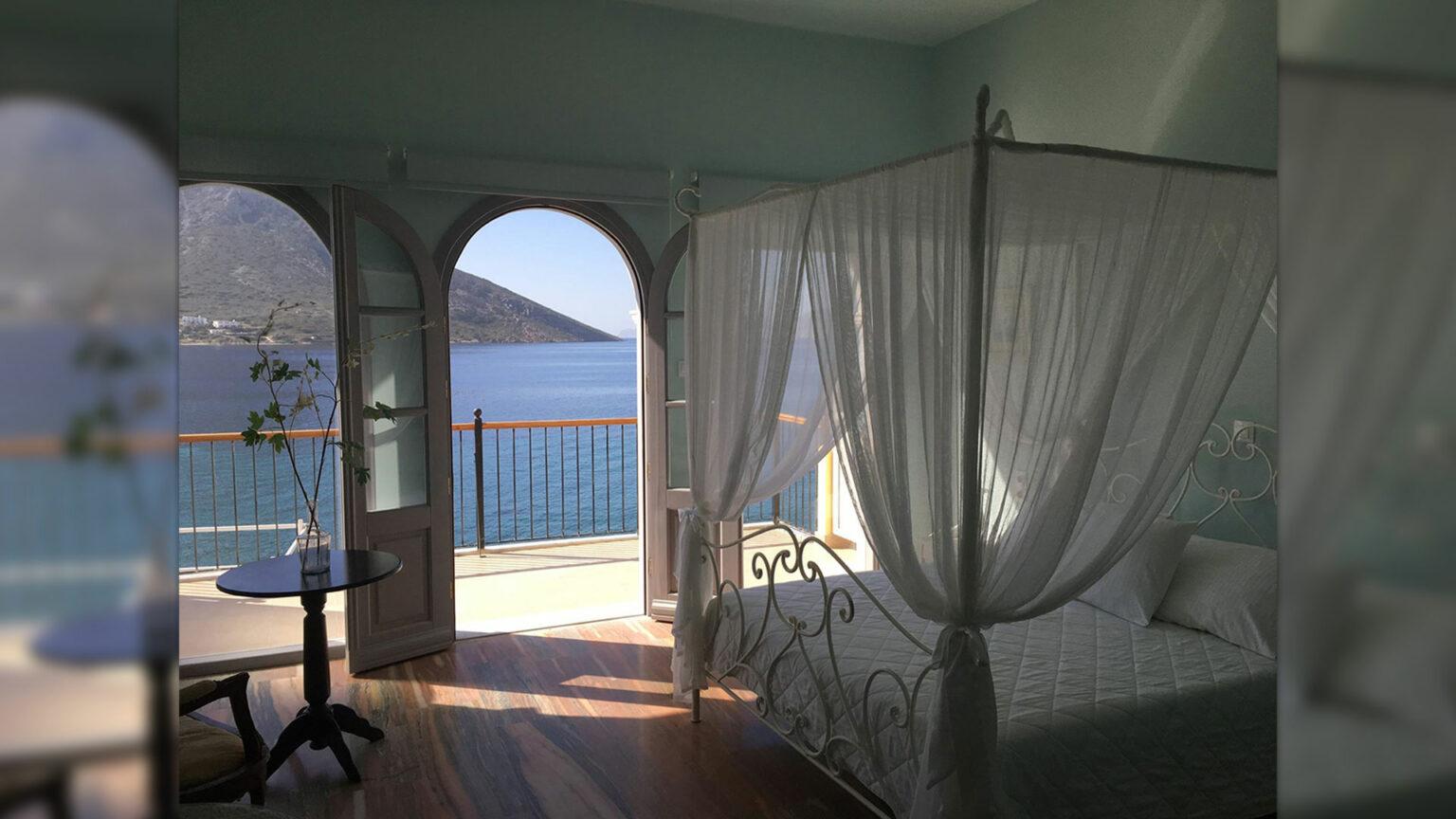 """Junior suite with terrace facing the sea """"Afroditi"""""""