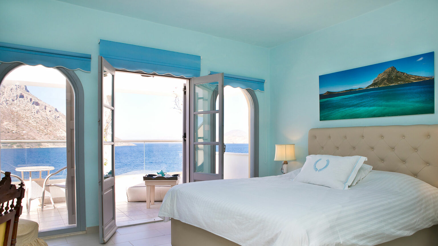 """Junior suite with terrace facing the sea """"Athena"""""""